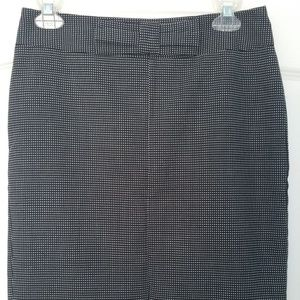 Banana Republic pencil skirt with front bow size 2